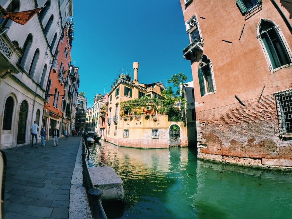 Venturing Venezia.